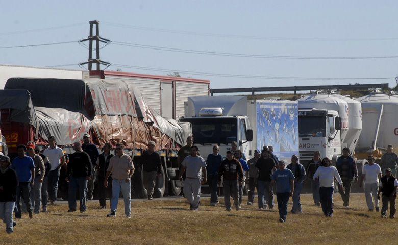 Rutas cortadas a Santa Fe y Córdoba, tránsito liberado a Buenos Aires