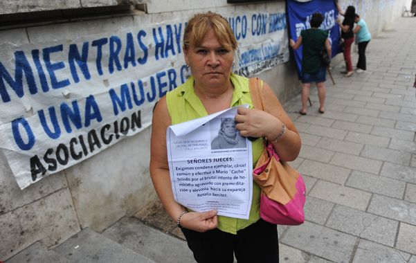 Vigilia. Rosalía espera en Tribunales que el martes dicten una sentencia justa contra su ex pareja