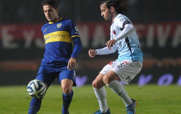 Mala pinta. Fernando Gago jugó ante Colón y fue su último partido en el torneo local.