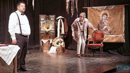 Los personajes masculinos, interpretados por Pablo Franco y Augusto Carballal.Foto: UNO/ Juan Ignacio Pereira
