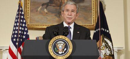 Bush anunció un plan de rescate de 17.400 millones para las automotrices