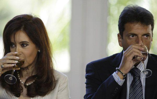 Tragos y miradas. La presidenta y Sergio Massa cuando se desempeñaba como jefe de Gabinete de Cristina.