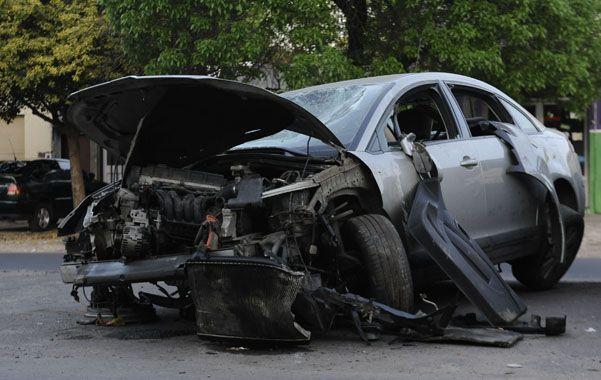 Destruido. Así quedó el Citroën C4 en el que viajaban las víctimas.