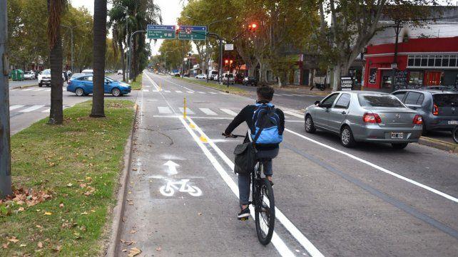 Crece el uso de las bicicletas en las ciclovías de emergencia