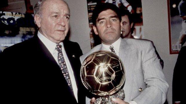 Di Stéfano y Maradona son los argentinos que aparecen en una nómina de 20 futbolistas que dejaron su huella en el fútbol como volantes ofensivos.