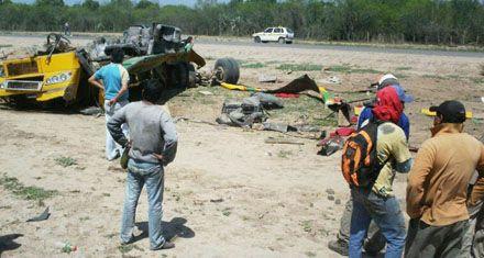 Murieron 13 personas al volcar un ómnibus en Santiago del Estero