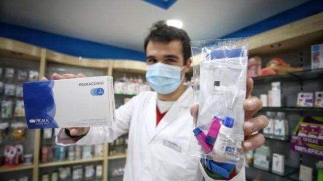 La Anmat aprobó la venta libre en farmacias de un test rápido de Covid-19
