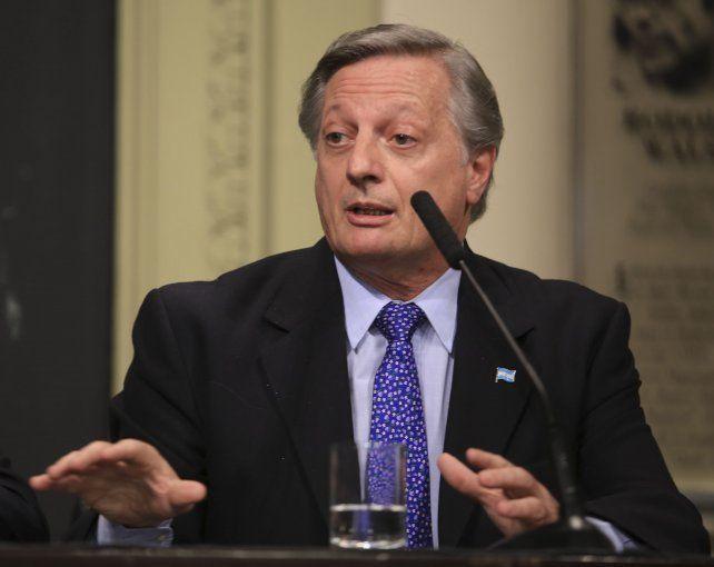 Resignado. El ministro de Energía aceptó realizar audiencias públicas.