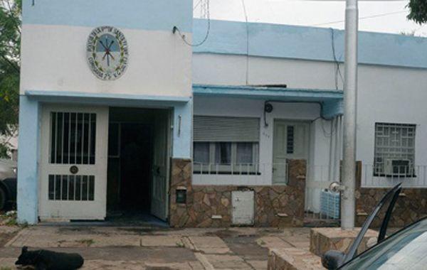 Arrestan en Villa Gobernador Gálvez a dos personas que robaron un Rapipago