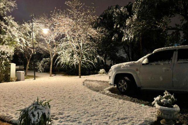 Impactantes imágenes de la histórica nevada en Córdoba después de 14 años
