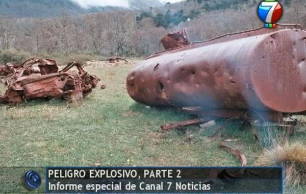 Imágenes de un tanque de combustible perforado por esquirlas. Documental de Canal 7 de Neuquén