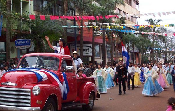 Inmigrantes. Paraguay es el principal país que aporta ciudadanos a la Argentina. Creció 70