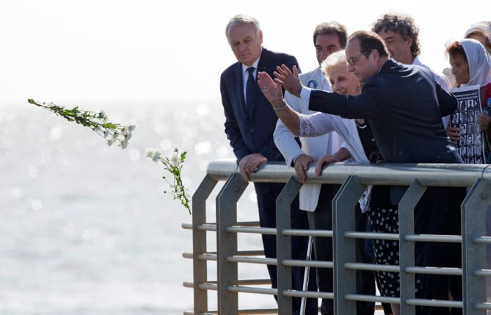 Hollande y Estela de Carlotto en un homenaje a las víctimas de la dictadura argentina.