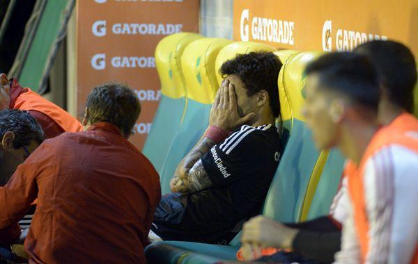 La desazón del goleador. Nacho salió lesionado y se perdería el clásico del próximo domingo en Arroyito. (Foto: Héctor Río)