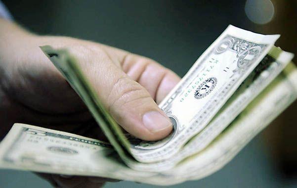 """Dólar de exportación. La cotización del """"contado con liqui"""" utilizado para retirar divisas subió a 9"""