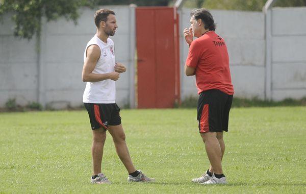 Lucas Bernardi no formaría parte de los once iniciales para el cotejo ante el Pincha.