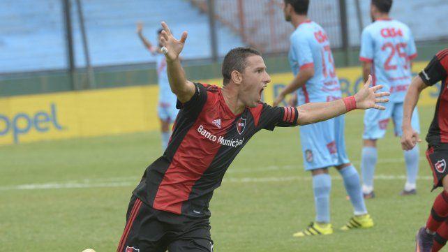 Festeja. Maxi grita el gol en el Viaducto.