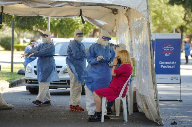 Coronavirus: Santa Fe registró un nuevo récord de contagios con 2.470, de los cuales 1.167 son de Rosario