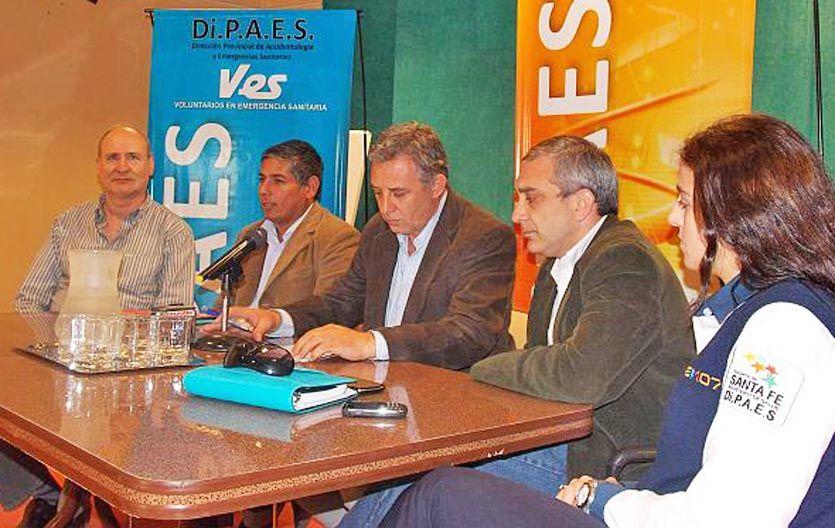 Lanzamiento. Funcionarios provinciales y municipales en la presentación.