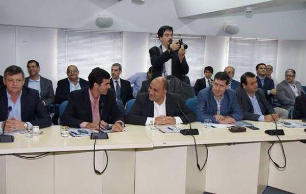 """disconformes. Los gobernadores del PJ pidieron una reunión """"urgente"""" al presidente Macri."""