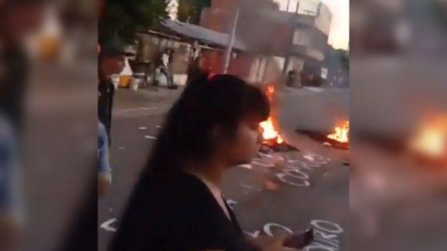 Disturbios con la Policía tras el abuso sexual a una chica de 15 años en barrio Ludueña