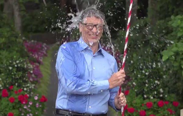 Bill Gates también se adhirió a la campaña para la cura de la esclerosis lateral amiotrófica.