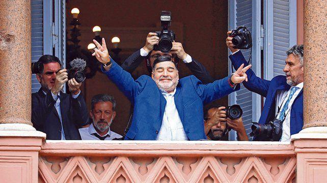 gesto de victoria. Maradona
