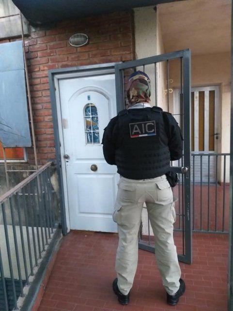 Los allanamientos se realizaron en la zona oeste de Rosario y Villa Gobernador Gálvez.