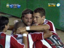 River le ganó a Huracán 2 a 0 y mantiene vivo el sueño del ascenso directo