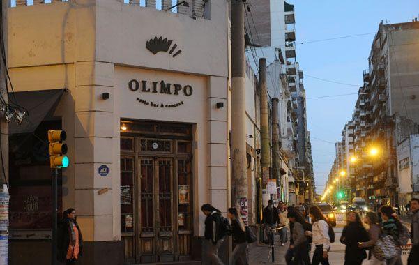 Olimpo. La reciente clausura del bar cultural ubicado en Mendoza y Corrientes detonó la polémica.