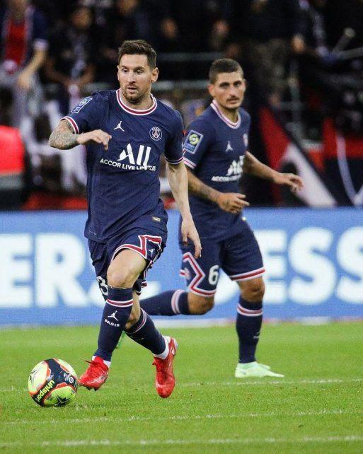 Messi hizo su debut en Paris Saint Germain frente a Reims