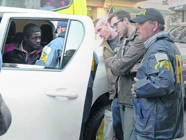 Detenido. El ciudadano guineano fue arrestado por la Policía Federal.