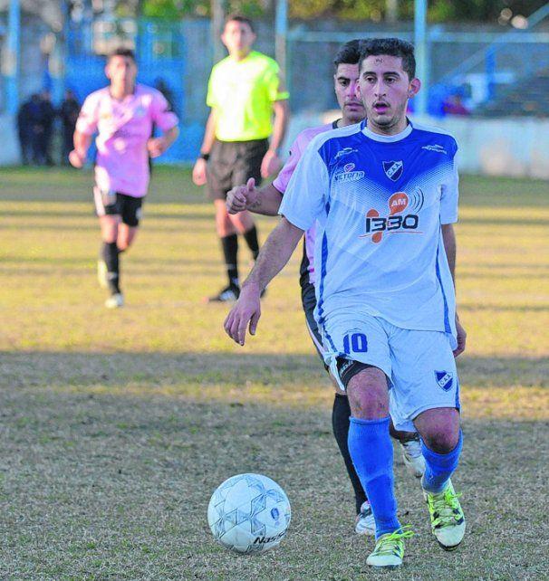 No se lo pierde. Salgado estuvo presente en el debut en la Copa de 2016 ante Tiro.