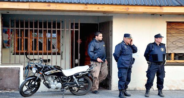 Asaltan y secuestran a la esposa del abogado del acusado de asesinar a Candela