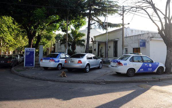 De la seccional de Sarmiento al 4300 se escaparon 32 detenidos. Todavía buscan a veinte. (foto: Sebastián Suárez Meccia)
