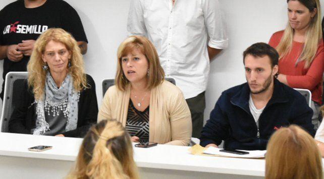 Conferencia. Las concejalas Celeste Lepratti y Marina Magnani acompañaron ayer la denuncia pública.