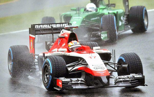 Fatal. Bianchi circula bajo la lluvia en Suzuka antes de pegarle a una grúa.