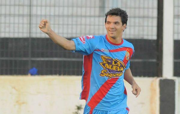 Zelaya convirtió el gol con el que Arsenal logró su triunfo ante All Boys en Floresta.
