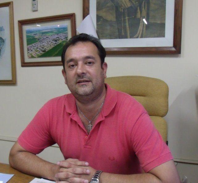 El presidente comunal Raúl Ballejos explicó el proceso.