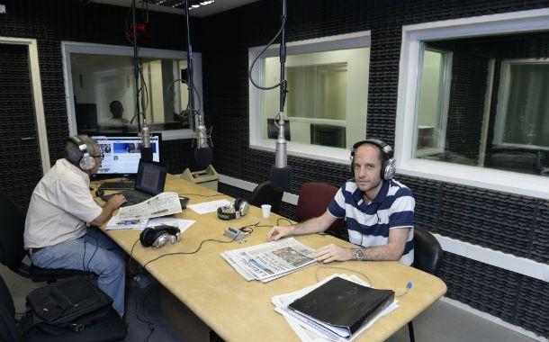 """Guillermo Zysman (""""El primero de la mañana) ya se instaló con su programa en Sarmiento 763."""