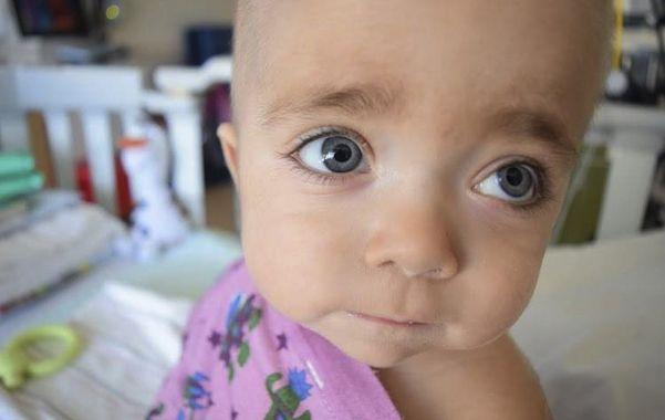 Helenita Galbá. La niña sufría una enfermedad degenerativa llamada osteopetrosis. Fue tratada en Estados Unidos.