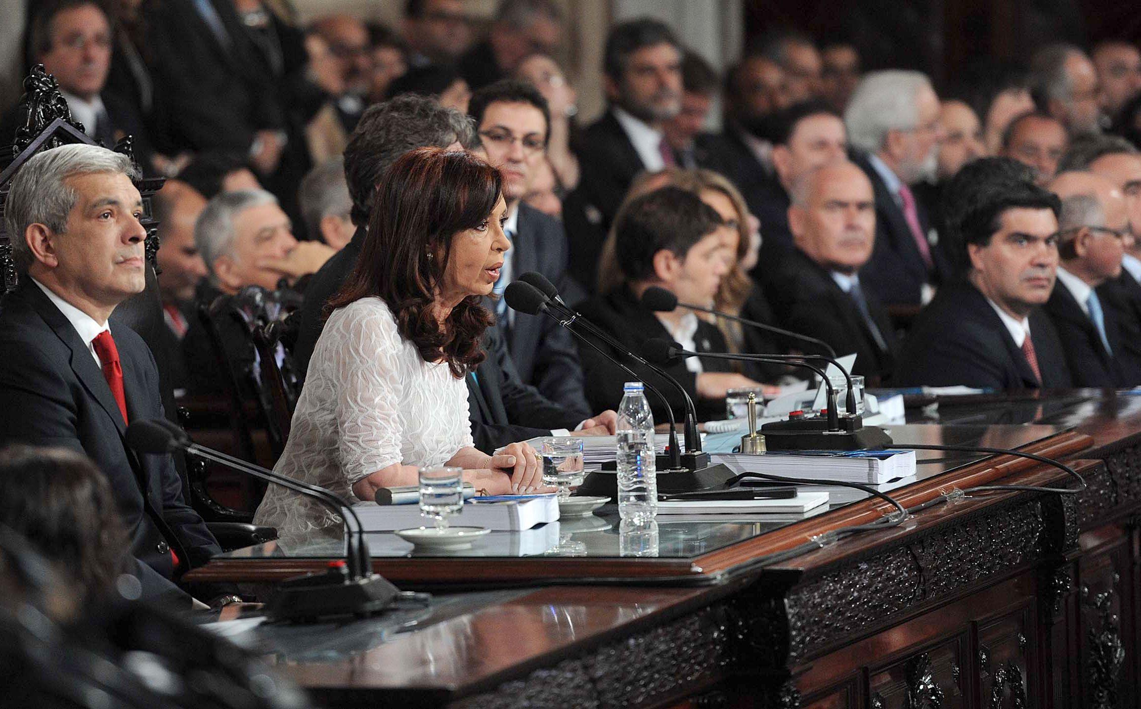 Cristina reivindicó el modelo, denunció que sufrió corridas bancarias y subas injustificadas de precios