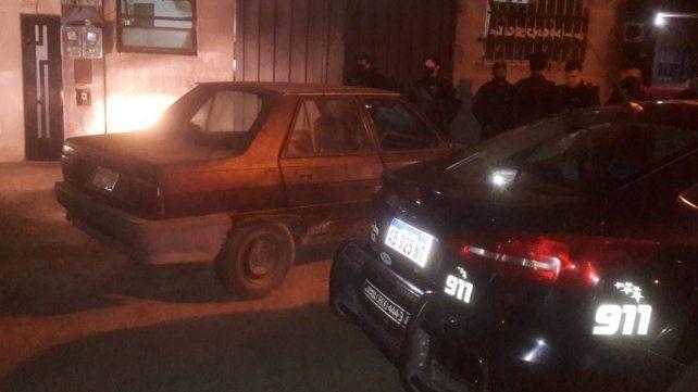 El auto utilizado en el ataque a un móvil de la Guardia de Infantería.