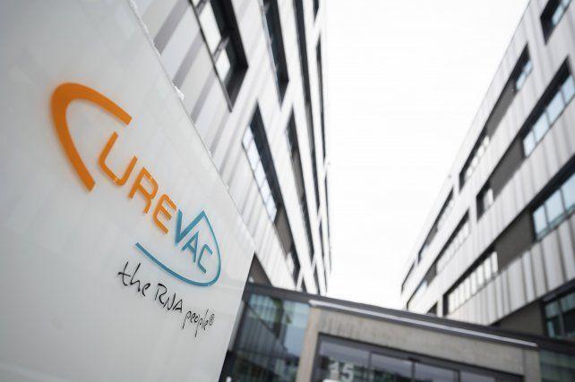 La vacuna alemana de CureVac mostró una eficacia del 47% en los estudios de fase 3.