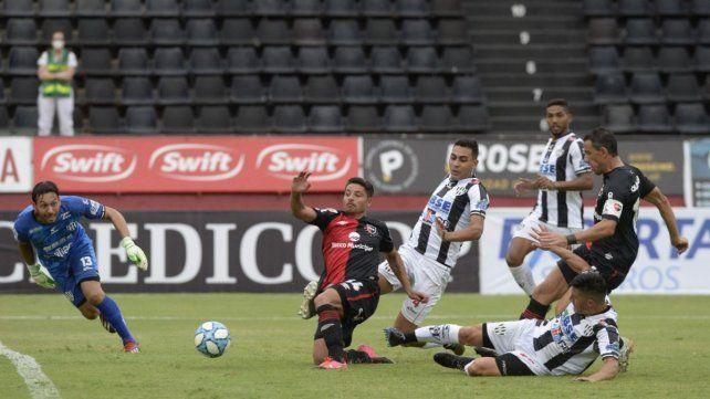 Palacios entrenó con Independiente pero su futuro aún no está definido