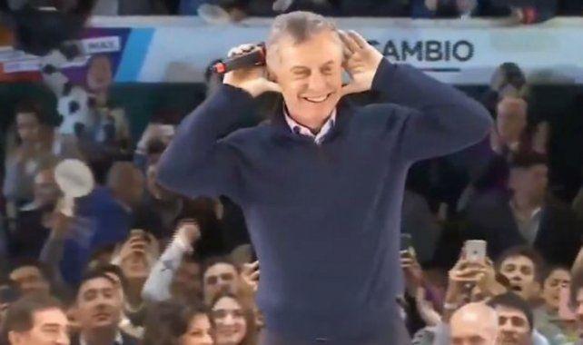 El presidente bromeó con el Topo Gigio que alguna vez le hizo Riquelme cuando era presidente de Boca.