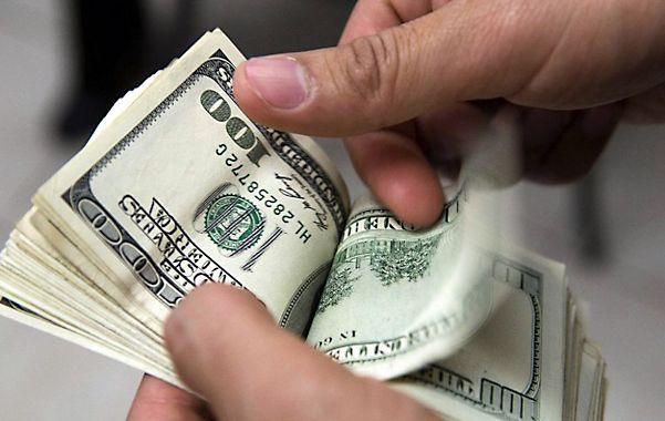 Freno. La cotización del dólar blue bajó ayer