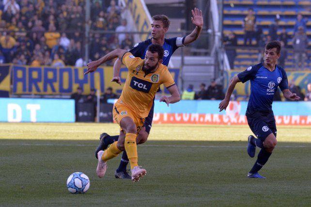 Lucas Gamba vuelve al equipo canalla tras la lesión. Reemplazará a Sebastián Ribas.