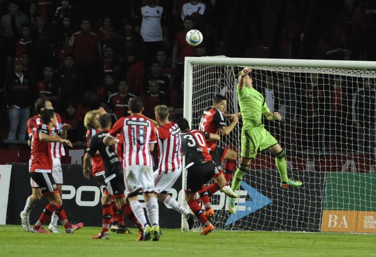 Tercer eslabón. Newell's cantó victoria de visitante frente a Estudiantes. Ezequiel Unsain sostuvo el 2 a 0 con una actuación soberbia.