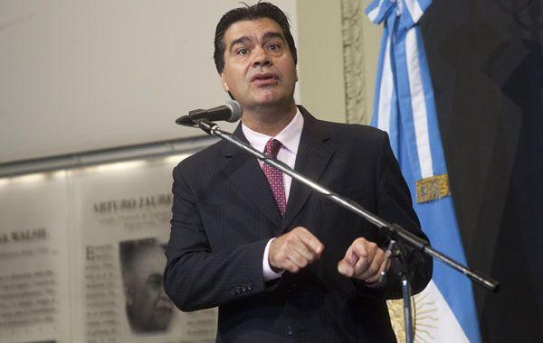 El jefe de ministros reivindicó la política nacional que se lleva adelante en la lucha contra el Sida.